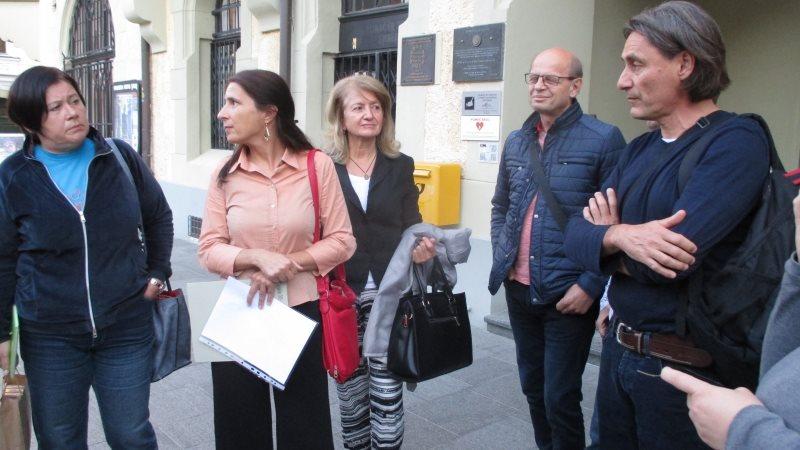Župan Miran Senčar kljub več tisoč podpisom proti podrtju dreves vztraja pri svojem.