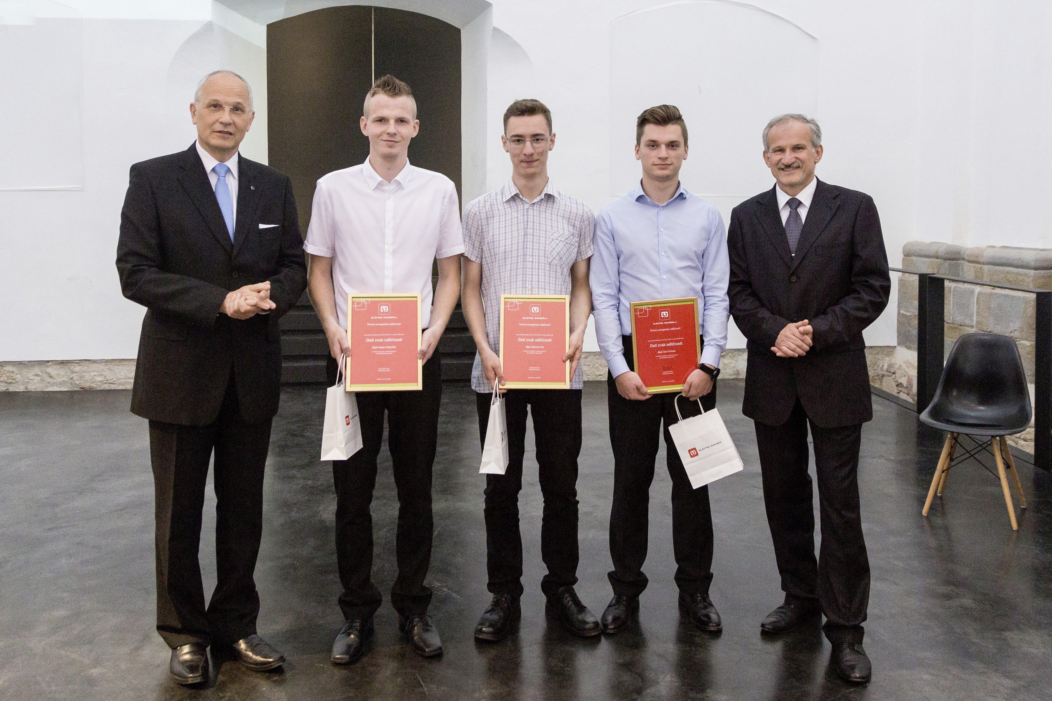 Najboljši dijaki preteklega šolskega leta so postali Žan Črnivec, Klemen Pal in Dejan Klajnšek.