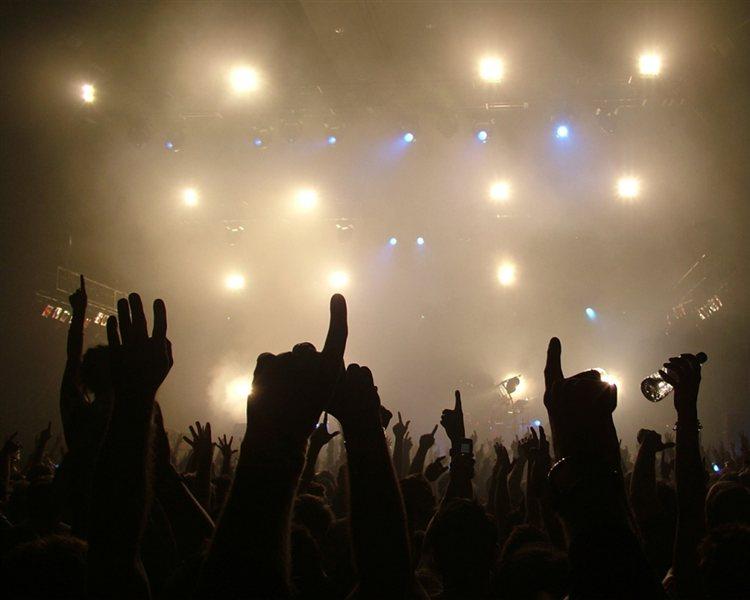 Dogajanje na Bevkovem trgu z glasbo, športom, vinarji in gledališkimi predstavami pa se bo nadaljevalo vse do 16 julija.
