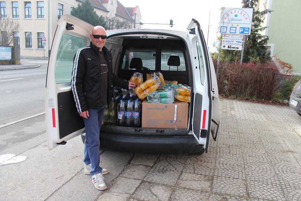 V Radenski so zbrali 182 kilogramov hrane in 200 litrov pijače; foto: Anina zvezdica