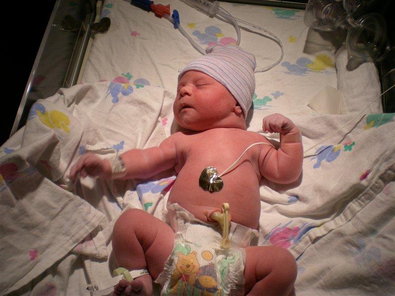V bolnišnici Franca Derganca opravijo dnevno v povprečju 2,3 poroda