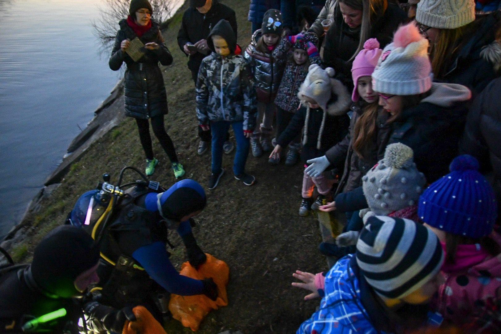 Prišli so iz Drave in obdarili otroke.