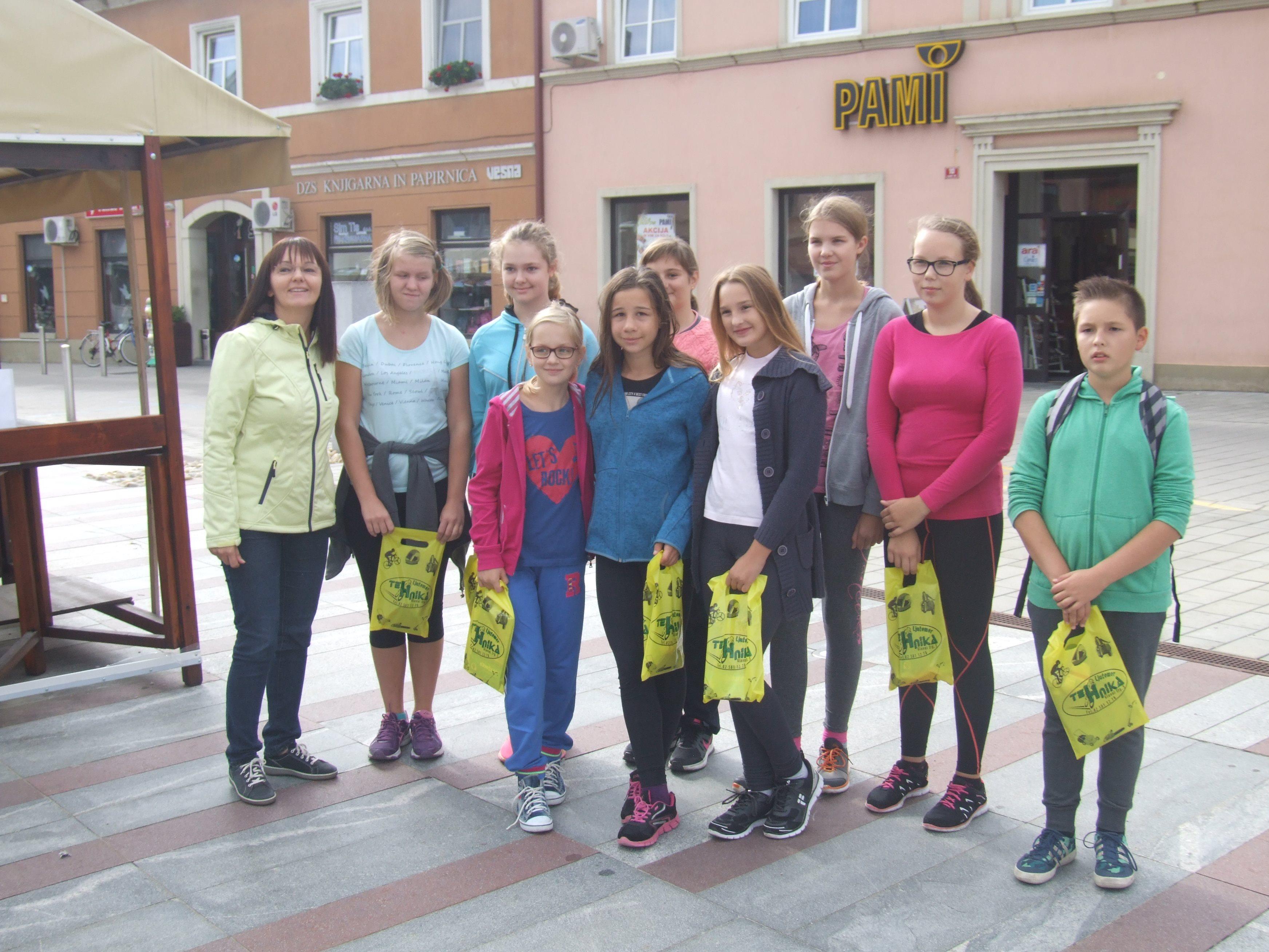 Nagrajenke in nagrajenci akcije S kolesom v šolo