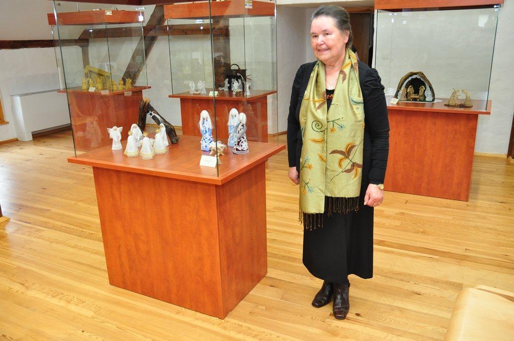 Na razstavi si lahko ogledate kar 21 jaslic Marije Kastelec