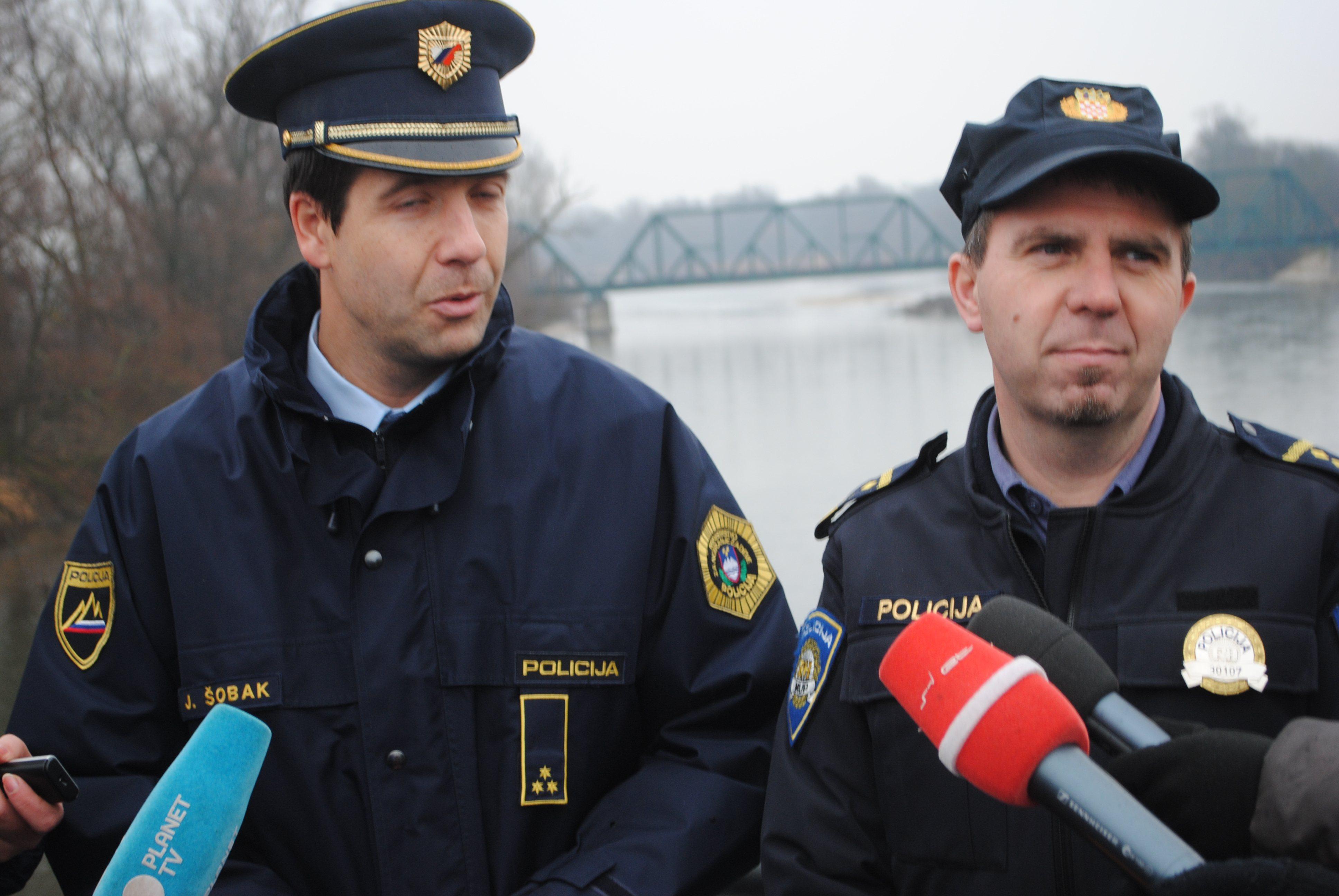 Janko Šobak in Miljenko Vrbanec na mostu čez Muro.