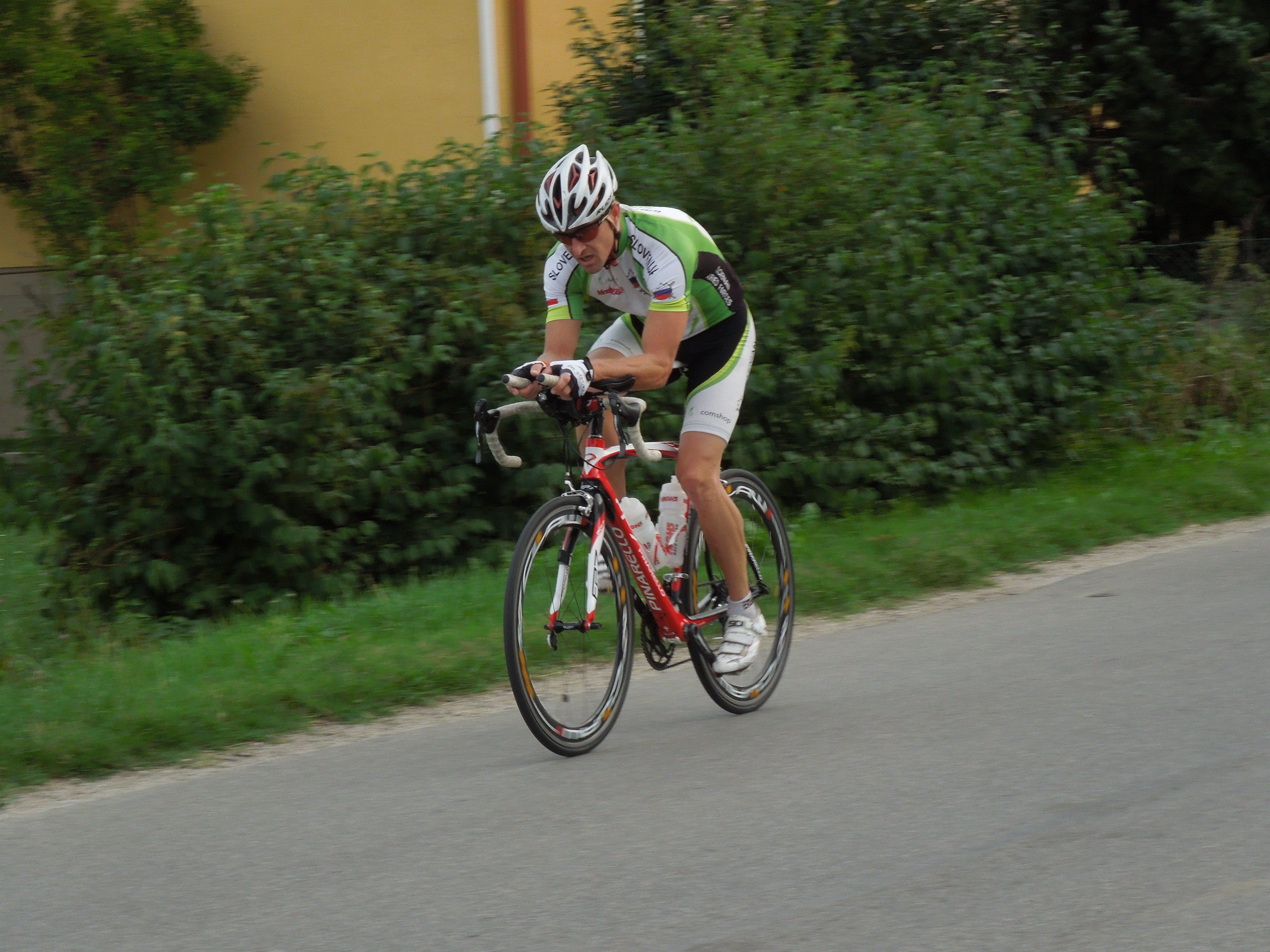 Matej Markovič je trenutno vodilni na Dvojnem ultra triatlonu Murska Sobota