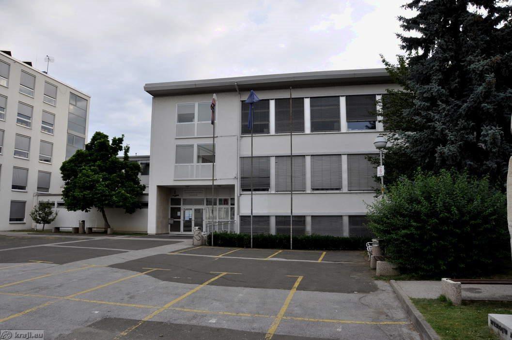 Začasna zunanja lokacija je na  Srednji zdravstveni šoli.