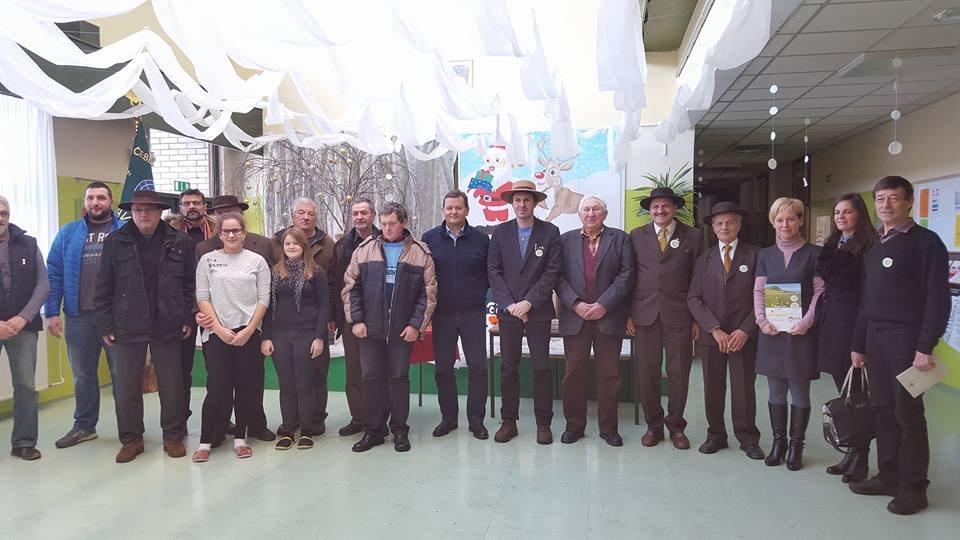 Čebelarska zveza Slovenije je v okviru promocije obiskala tudi Osnovno šolo Bakovci