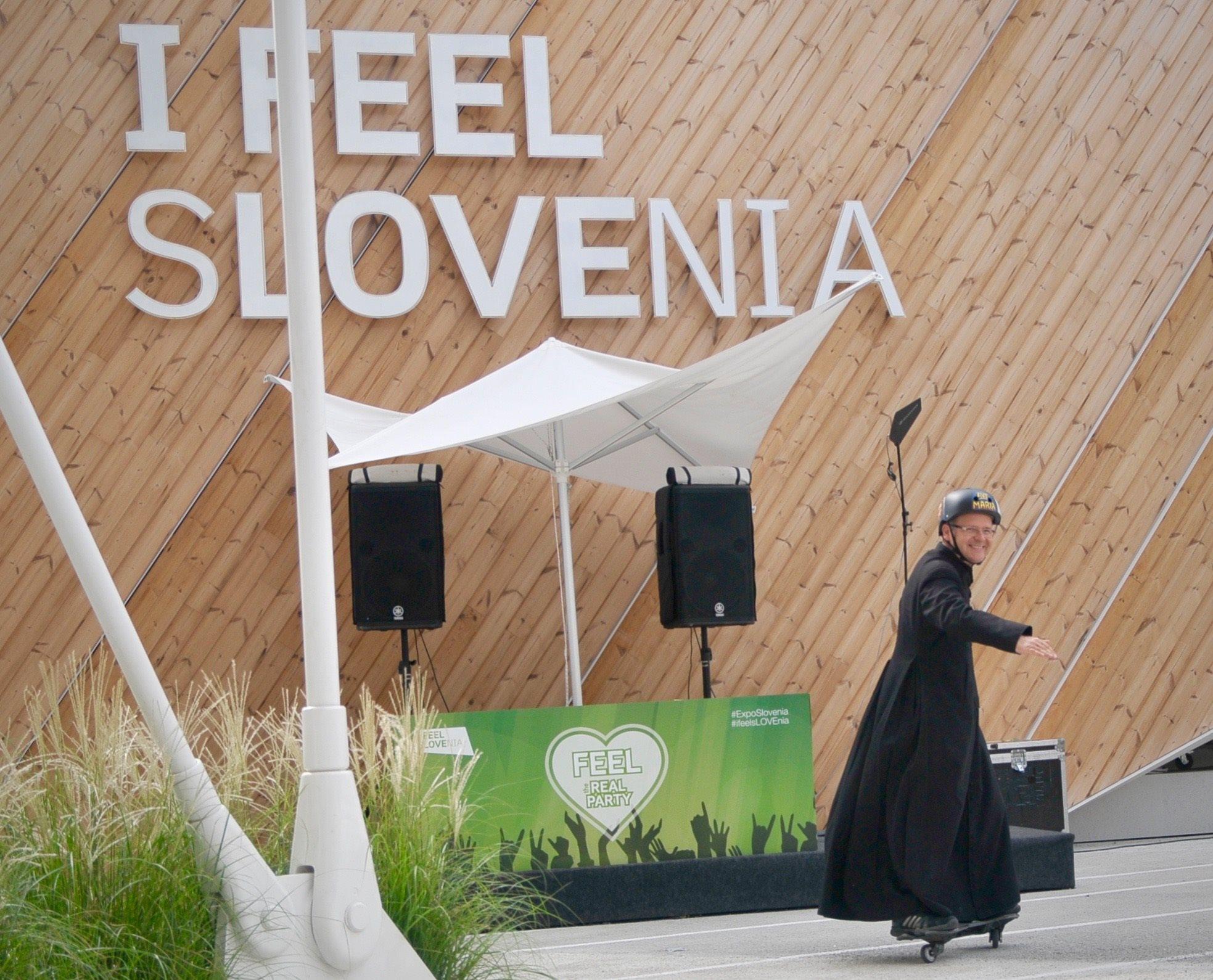 Svoje spretnosti na Varisom skate parku je predstavil rimskokatoliški duhovnik Lendvai Zoltan; foto: Spirit Slovenija