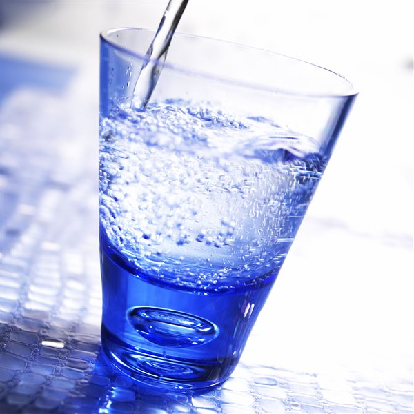 Nalijte si kozarec sveže vode!