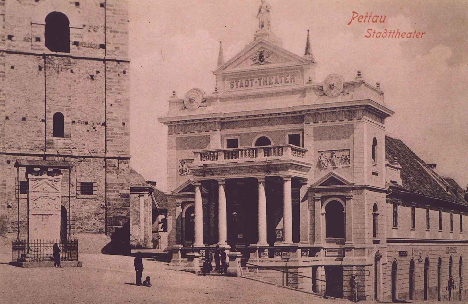 Zgodovina ptujskega gledališča sega v leto 1786, ko je na prostoru današnje stavbe nastal Städtisches Comödienhaus.