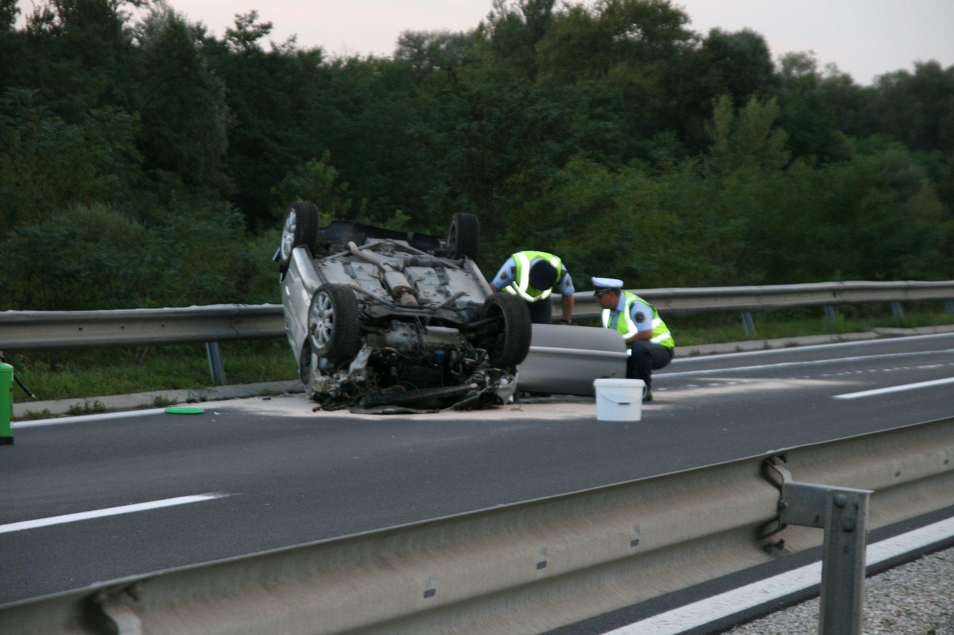 Posledice nesreče na pomurski avtocesti so bile usodne za dve osebi.