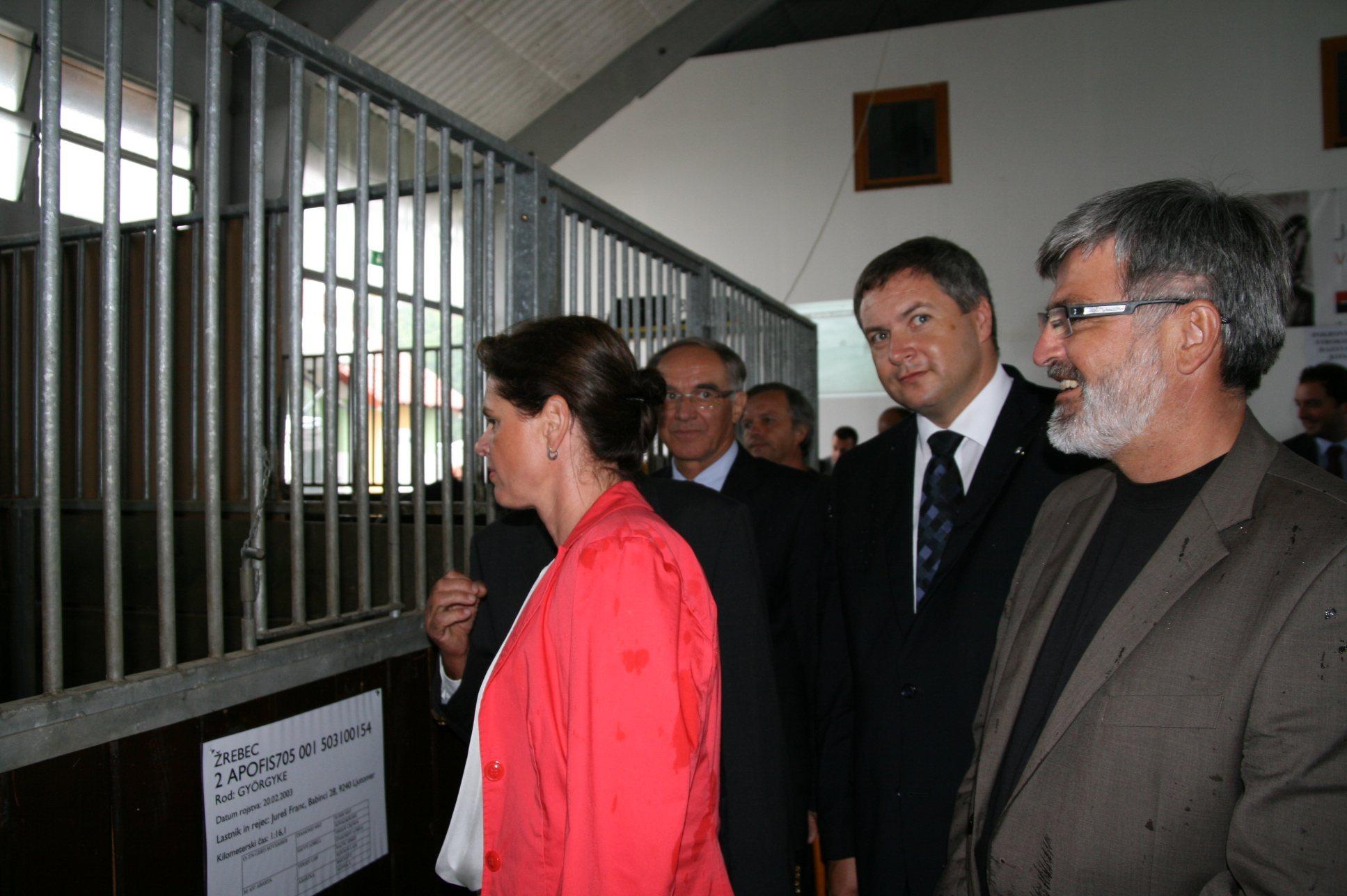 Kmetijsko-živilski sejem AGRA v Gornji Radgoni si je ogledalat tudi predsednica vlade Alenka Bratušek.