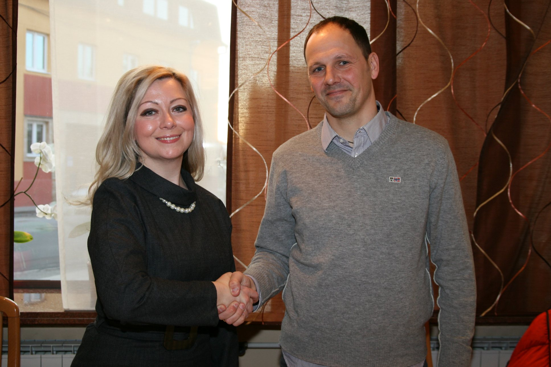 Predsednica Mure 05 Nataša Horvat in novi trener članske ekipe Ante Šimundža.