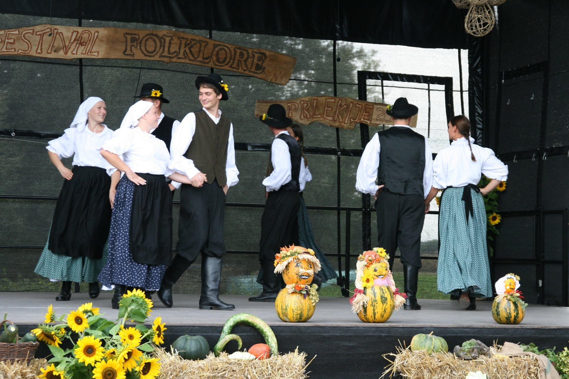 Folkloristi so zaplesali v Babincih pri Ljutomeru.