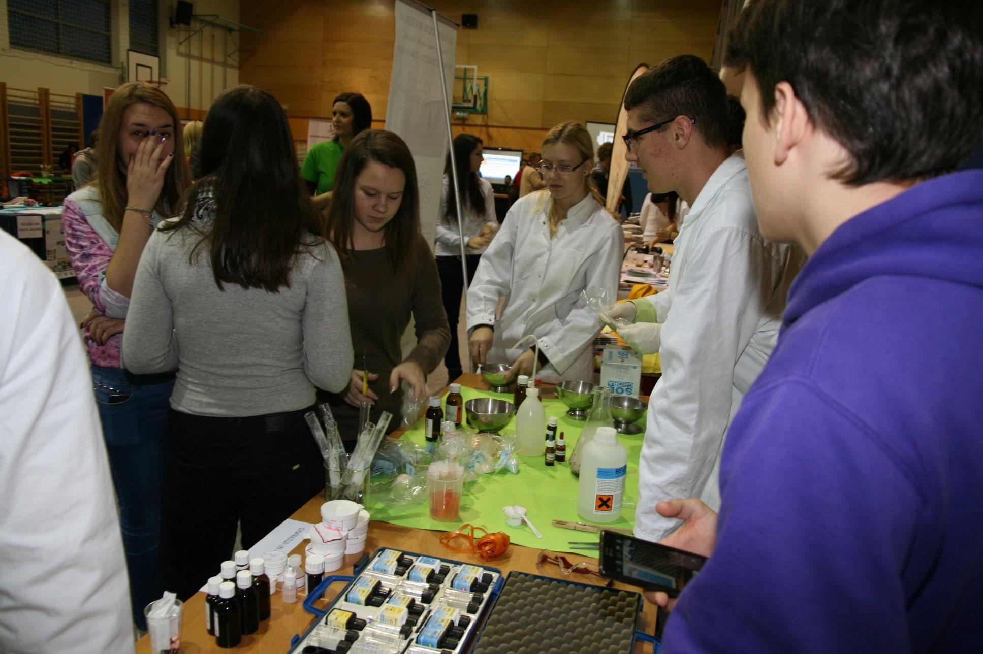 Učencem so se predstavile številne srednje šole.