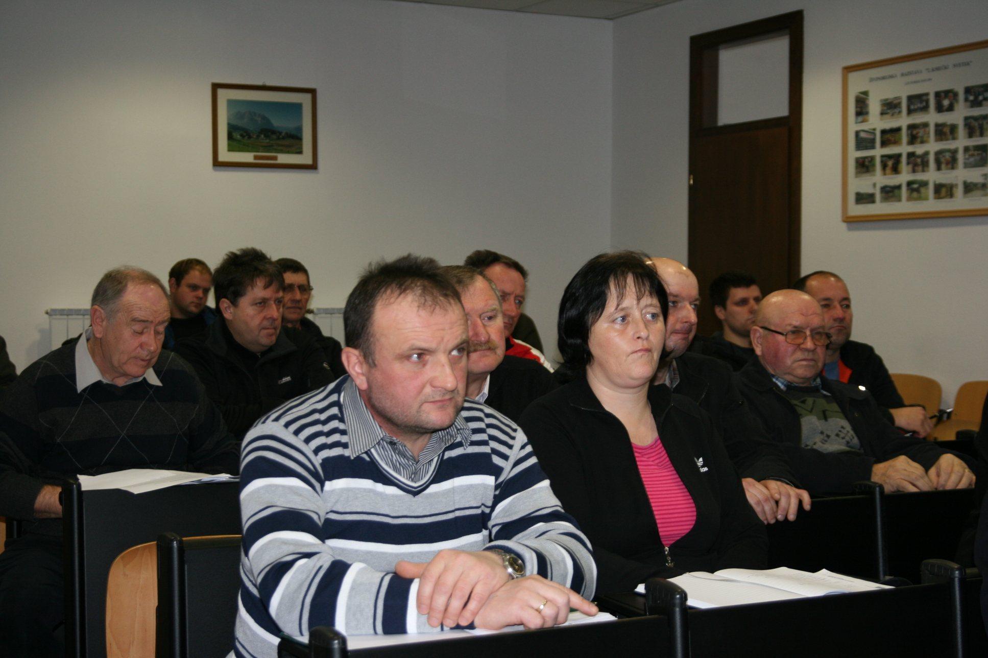 Slovenski prašičerejci so zaskrbljeni.