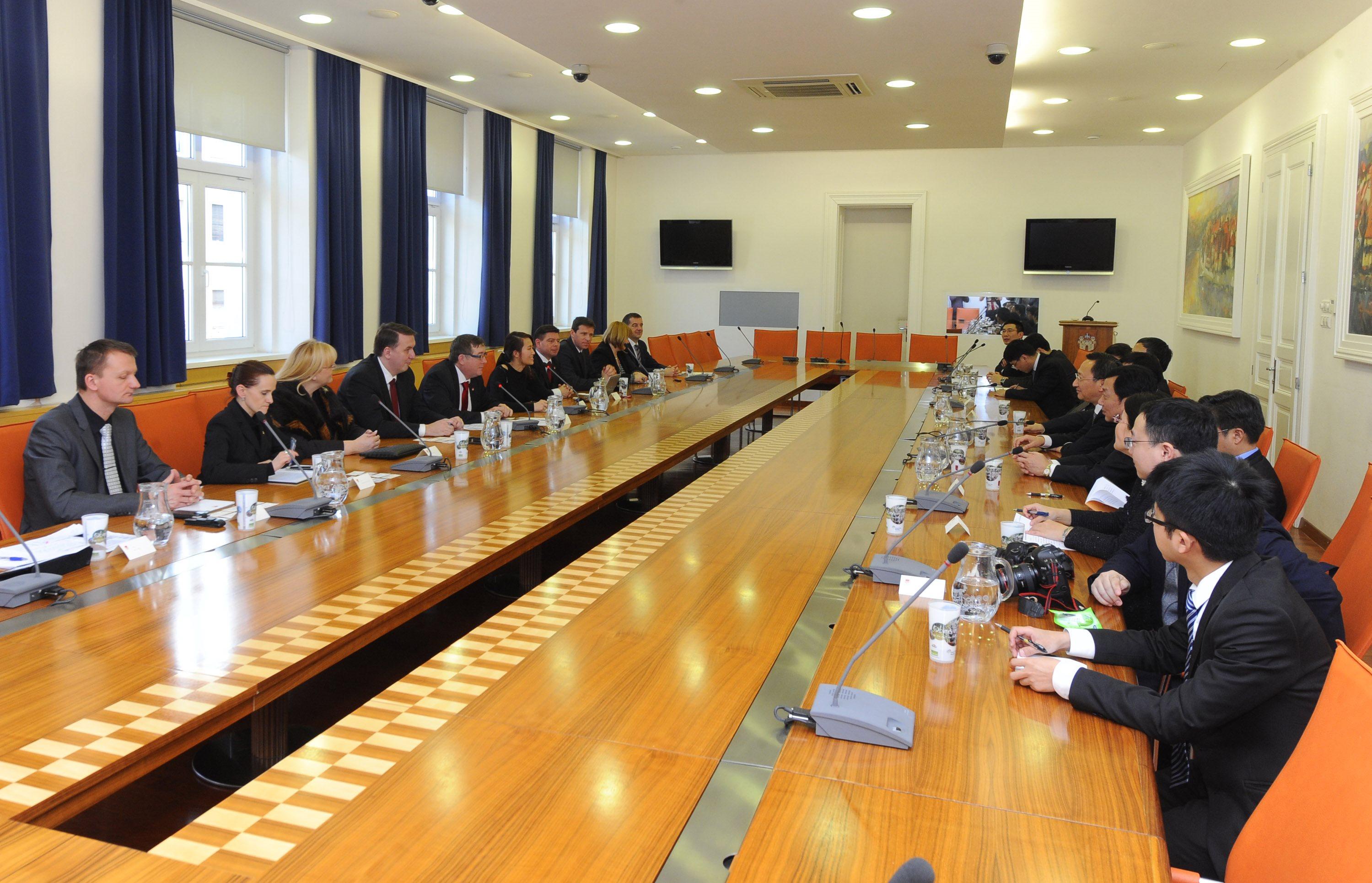 Srečanje predstavlja prvi obisk celotnega kitajskega mestnega vodstva z županom na čelu v Mariboru.