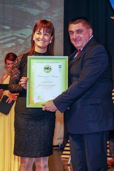 Priznanje za drugo mesto je na prireditvi prevzela ljutomerska županja Olga Karba