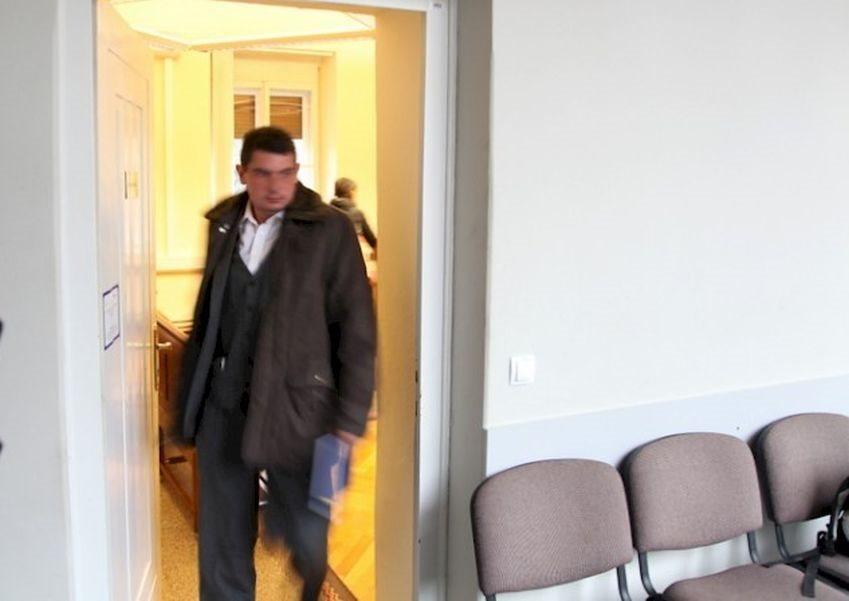 Boštjan Malerič na sodišču v Črnomlju