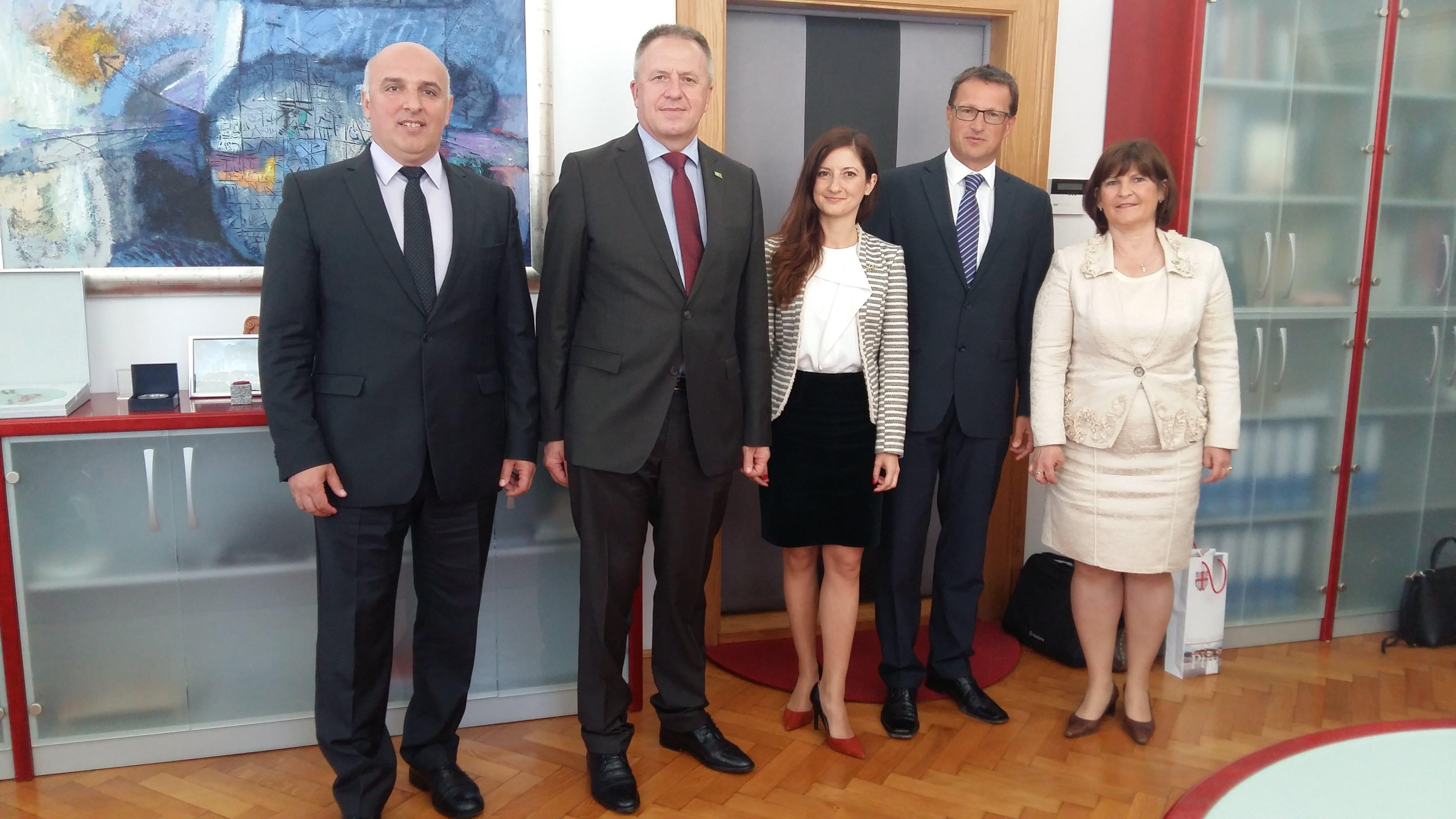 Ptuj je obiskal minister za gospodarski razvoj in tehnologijo Zdravko Počivalšek.