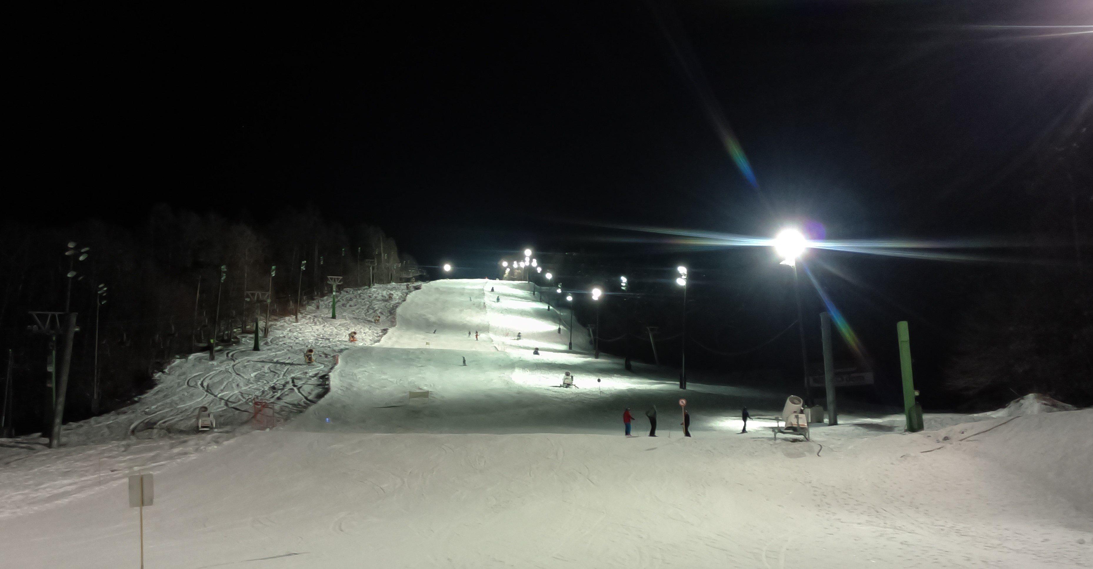 Nočna smuka na Mariborskem Pohorju do doline bo ta četrtek med 18. in 21. uro .