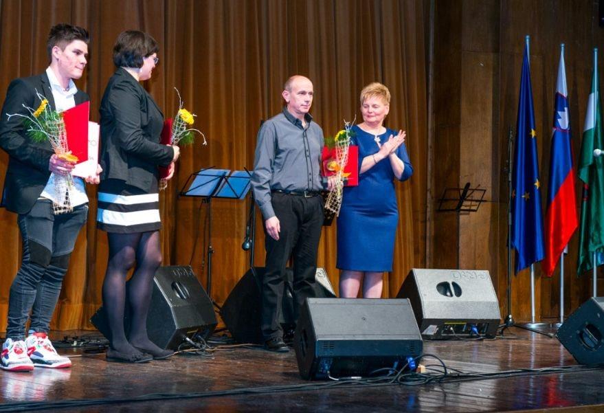 Občinski nagrajenci z županjo Črnomlja