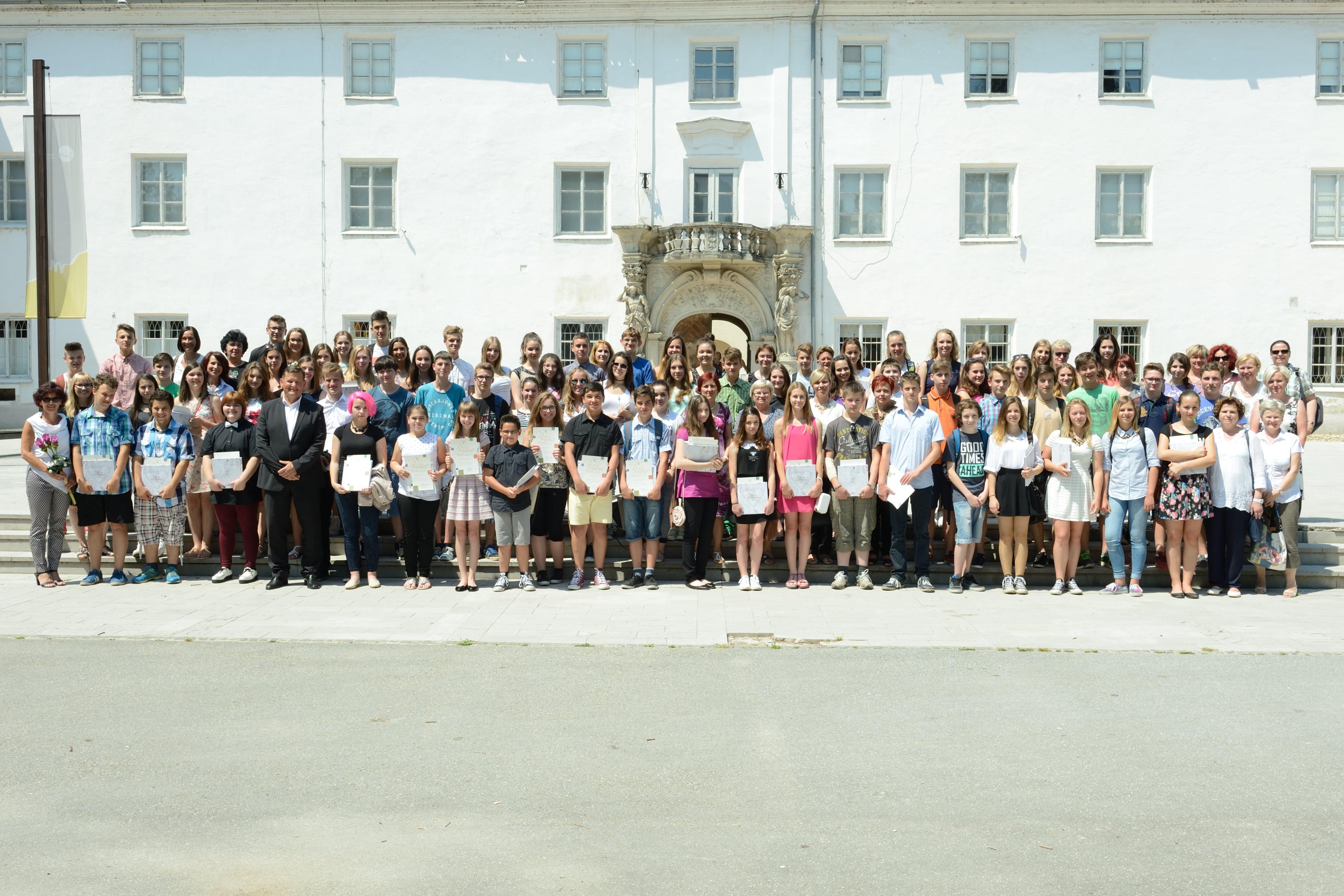 Župan Jevšek je pripravil sprejem za najboljše učence v soboški občini