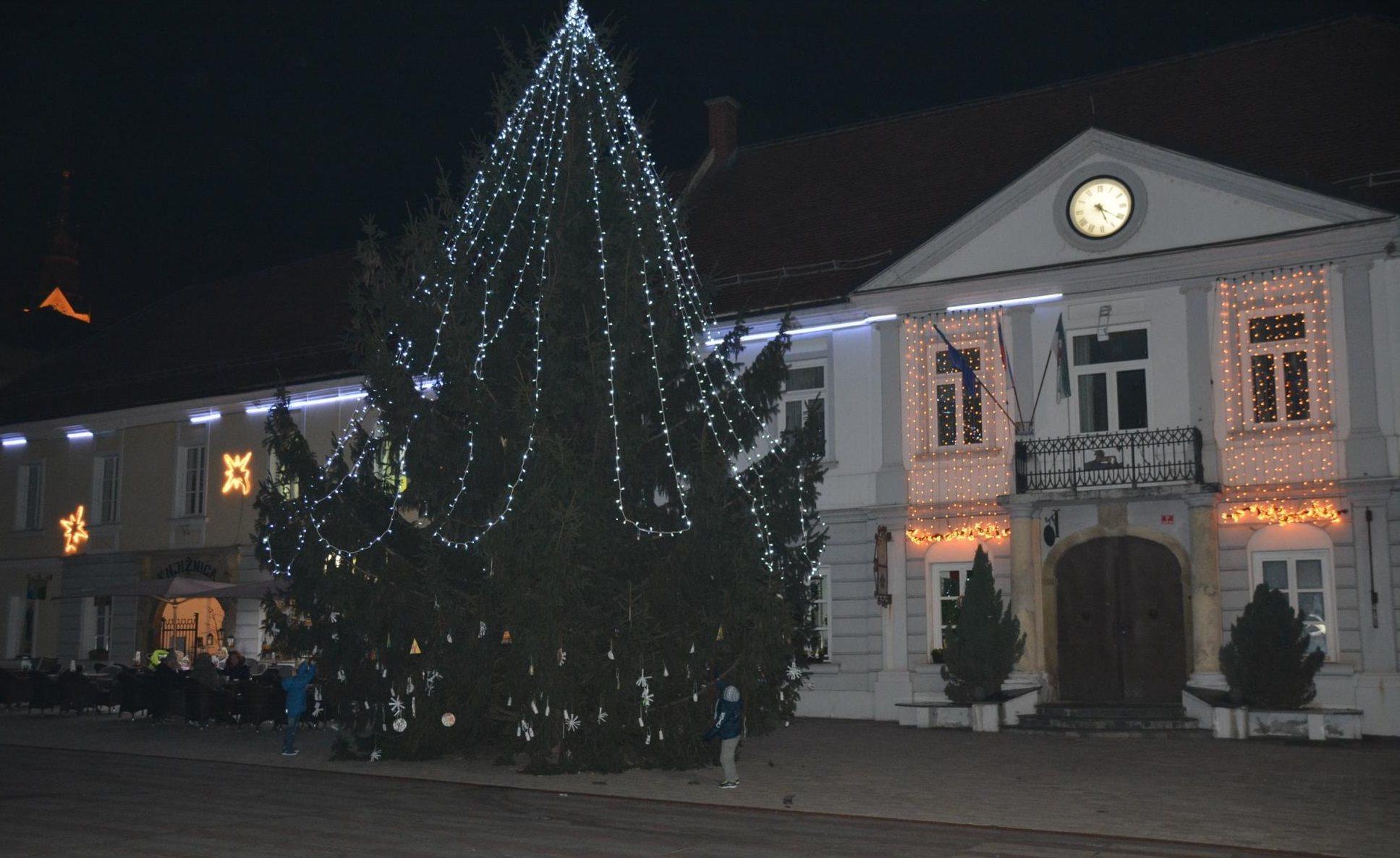 Tako je bila prleška prestolnica okrašena lani; foto: Občina Ljutomer
