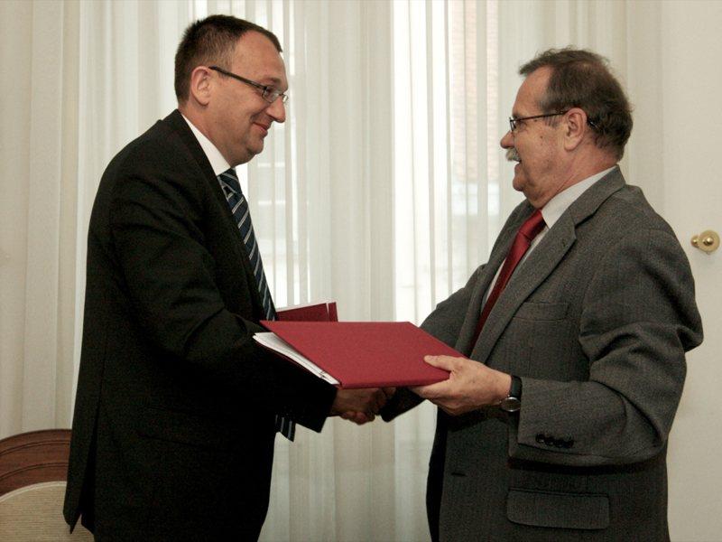 Tadej Ružič, predsednik uprave SGP Pomgrad in rektor, prof. dr. Radovan Stanislav Pejovnik