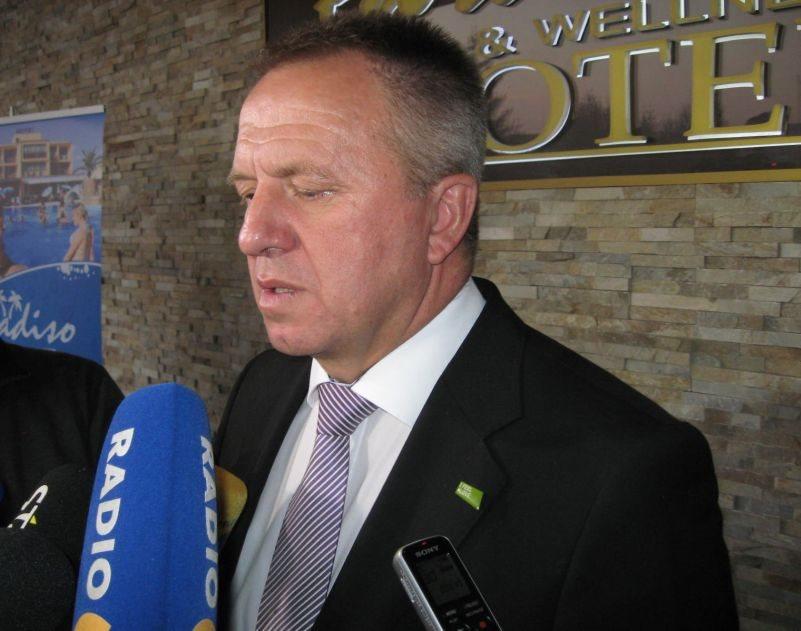 Minister Počivalšek na pogovoru s podjetniki v Dobovi
