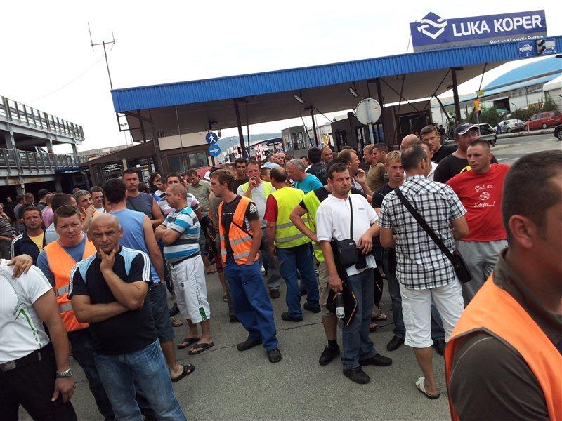 Protest v Luki Koper