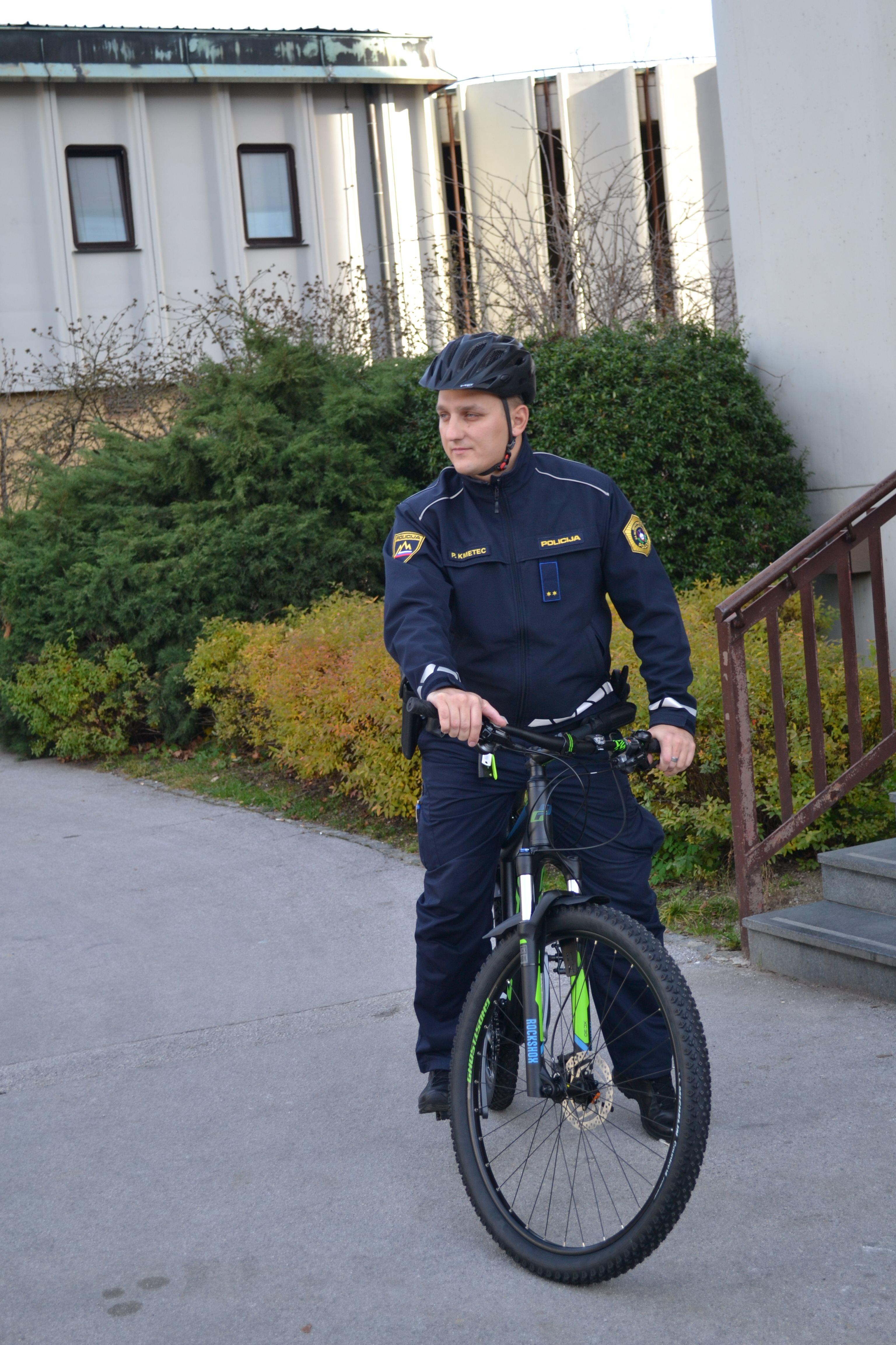 policist kolesar