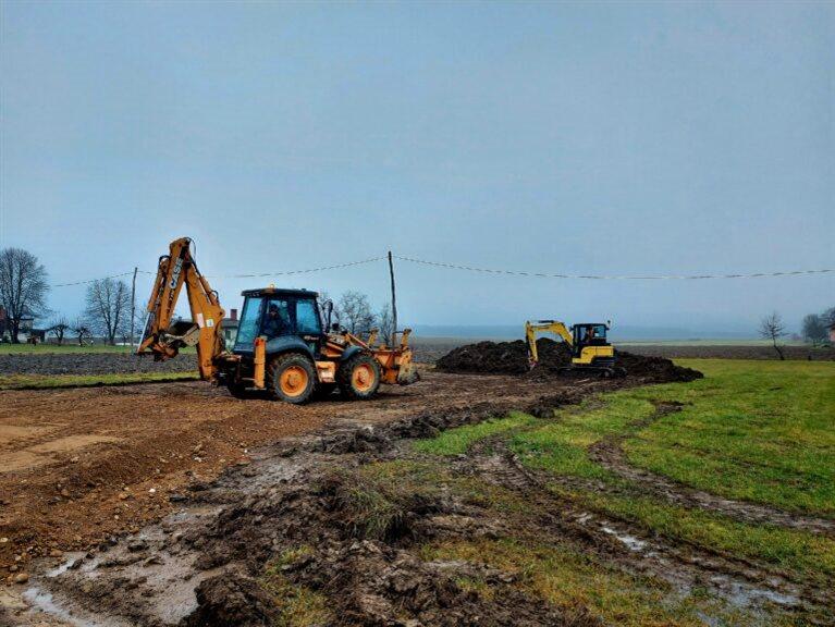 Gre za izjemno pomemben projekt, saj bo izgrajenega kar 32,07 kilometra kanalizacijskega omrežja ter 16 črpališč.