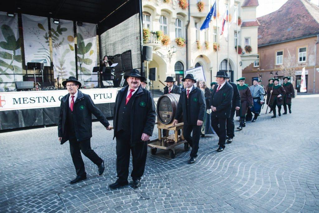 Bliža se tradicionalno praznovanje martinovega na Ptuju in imenovanje 8. ptujske vinske kraljice.