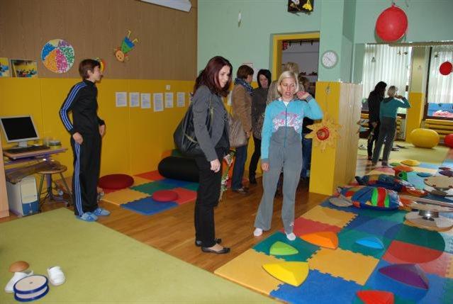 Multisenzorna soba daje otrokom s posebnimi potrebami občutek varnosti