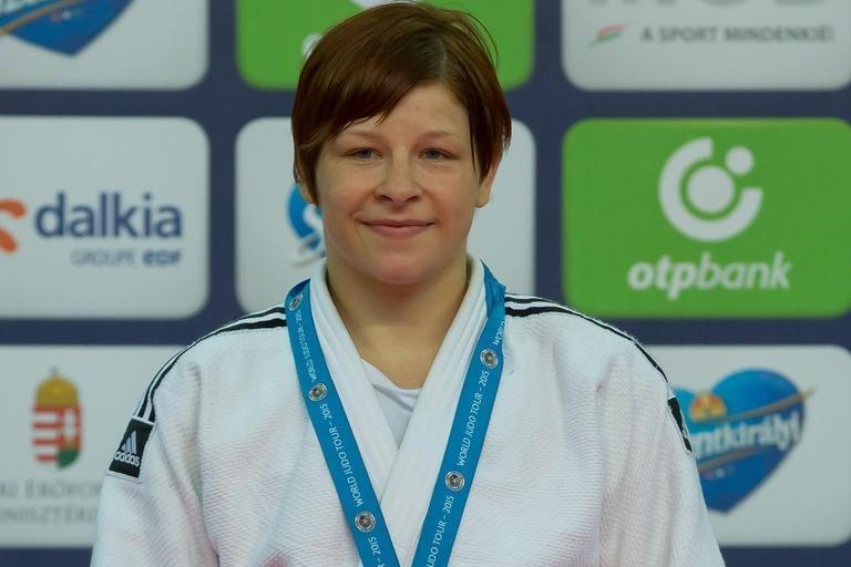Trstenjakova je osvojila zlato medaljo in naslov evropske prvakinje v kategoriji do 63 kg.