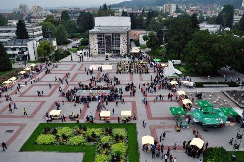 Titov trg