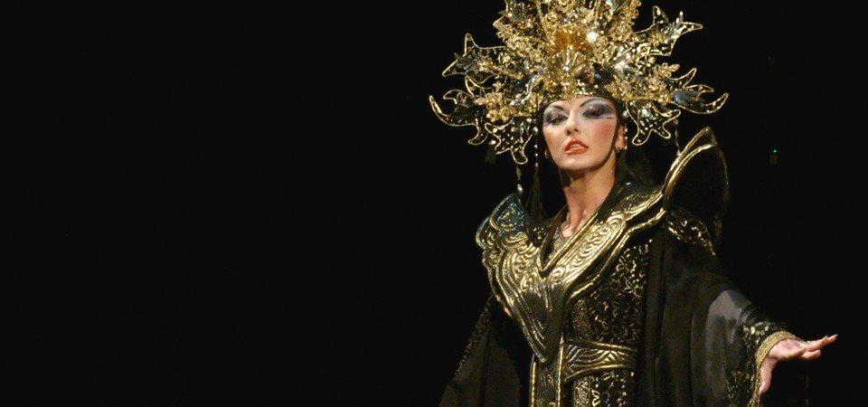 Na premieri bodo med drugimi nastopili mariborski sopranistki Rebeka Lokar in Sabina Cvilak.