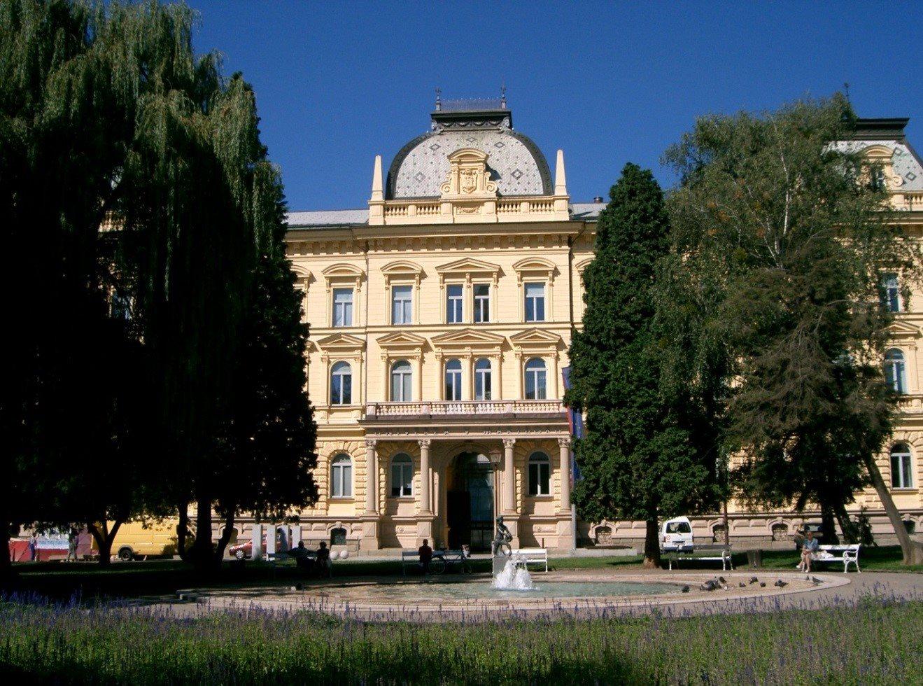 Univerza v Mariboru te dni gosti mednarodni dogodek na temo povezovanja gospodarstva in visokega šolstva.