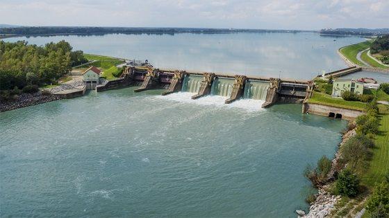 Sporen je predlog sprememb treh dajatev, ki jih hidroelektrarne plačujejo državi in občinam.