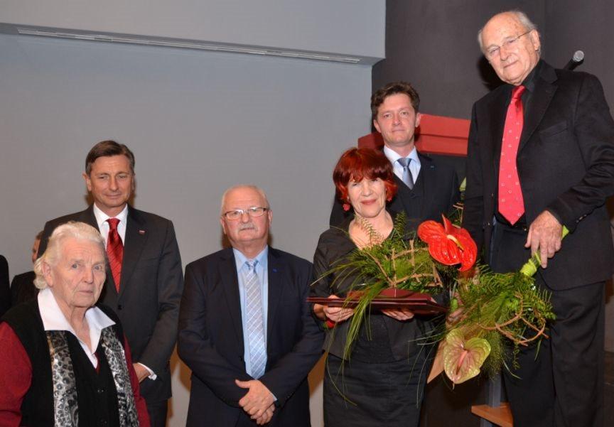 Nagrajenci s predsednikom Pahorjem in županom Mavrom