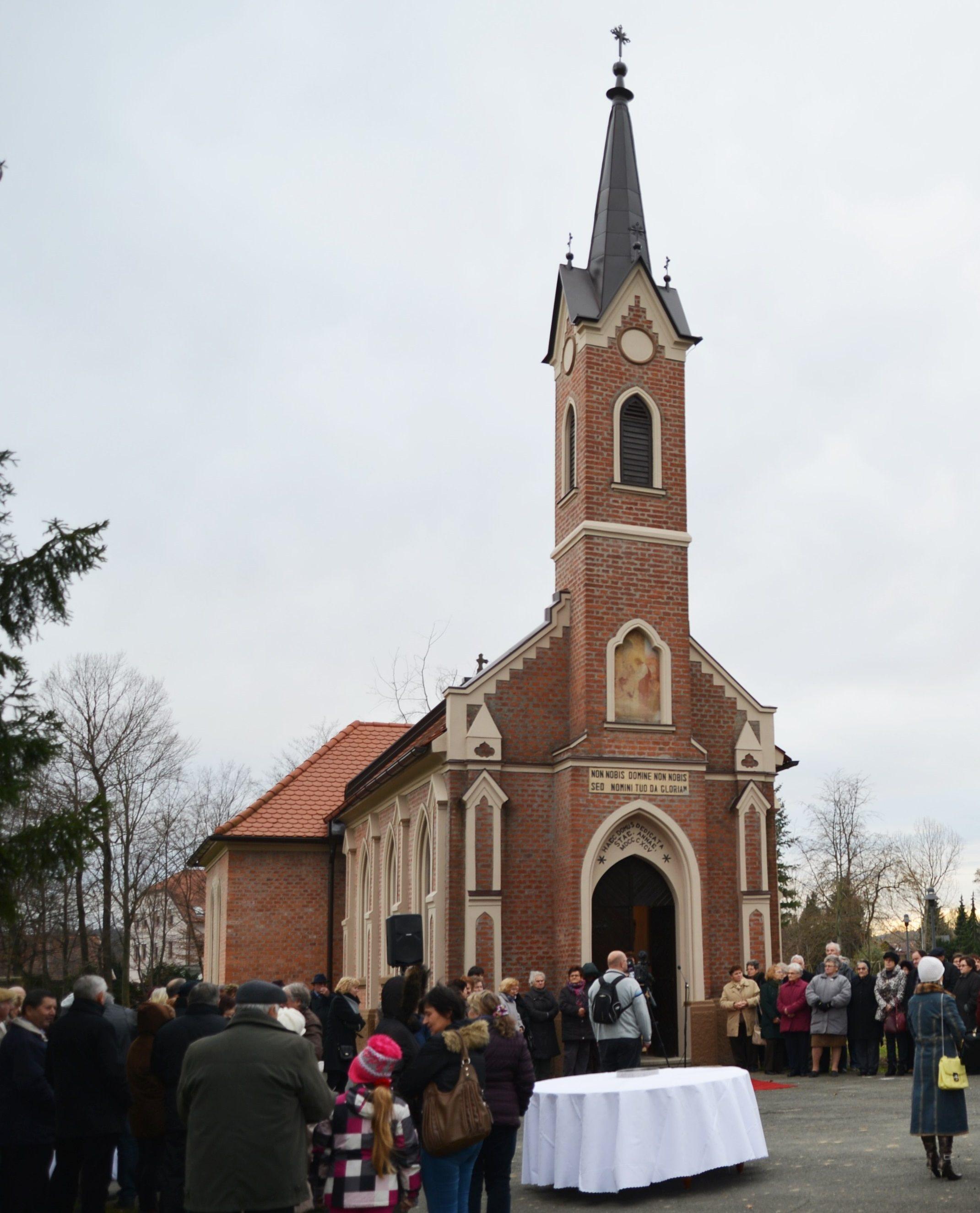 Kapelo v radenskem parku so obnovili s pomočjo ruskega gosta; foto: Dani Mauko
